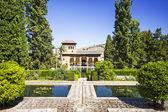 Partal sarayı'la alhambra, granada, endülüs, i̇spanya — Stok fotoğraf