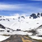 Постер, плакат: Snowy mountain near of the ski resort of San Isidro Leon Casti