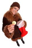 Mujer con regalo de navidad — Foto de Stock