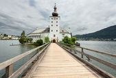 Gothic castle Ort on Traunsee Lake — Stock Photo