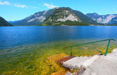 Go down to Hallstatt Lake in Salzkammergut — Stock Photo