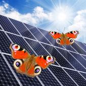 Solarenergie Panels gegen bedeckt. — Stockfoto