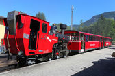 The steam locomotive of a vintage cogwheel railway at Schafberg Peak — Stock Photo