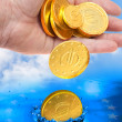 Euro coin falling to the water — Stock Photo