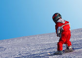 Child skiing — Stockfoto