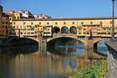 Ponte Vecchio over Arno River, Florence, Italy — Stock Photo