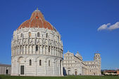 Pisa panoramic cathedral and tower — Stock Photo
