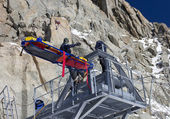 Rescue team training in mountain — Stock fotografie