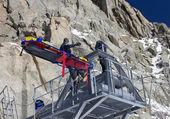 Rescue team training in mountain — Stock Photo