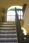 Merdiven eski otel — Stok fotoğraf