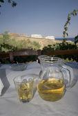 Vin på grekiska ön tabellvy — Stockfoto