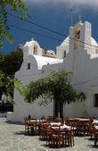Taverna grega e igreja e mosteiro — Foto Stock