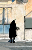 Widow in black — Stock Photo