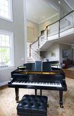 Pokój dzienny fortepian — Zdjęcie stockowe