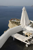 Santorini incredible view patio setting — ストック写真