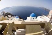Vue sur les églises de l'île grecque — Photo