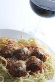 Meatballs and spaghetti classic — Stock Photo