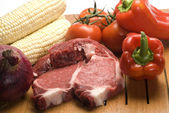 Steak with vegetables — Stock Photo