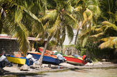 Colorful fishing boat bequia st. vincent and the grenadines — Stock Photo