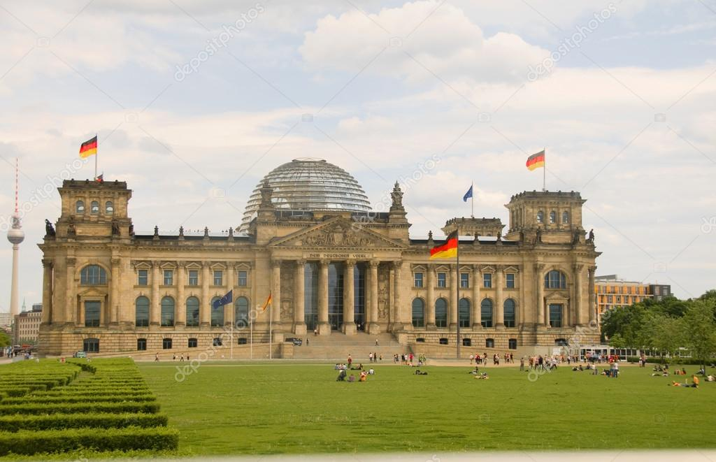 reichstag parliament building with glass dome berlin germany stock photo rjlerich 13399802. Black Bedroom Furniture Sets. Home Design Ideas