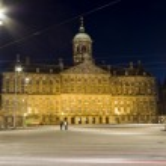 Royal palace night dam square amsterdam holland — Stock Photo #13414429