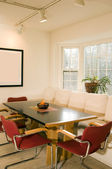 Janela de sacada sala de jantar contemporânea — Fotografia Stock