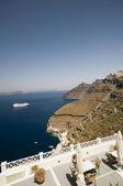 Nave da crociera nel porto di santorini — Foto Stock