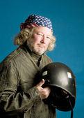 Motorrijder met helm Amerikaanse vlag bandana — Stockfoto