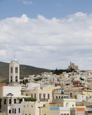 Vista da cidade de port syros cyclades grécia — Foto Stock