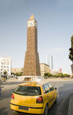钟塔 ave 哈比卜 · 布尔吉巴维尔中篇小说突尼斯突尼斯非洲研讨会 — 图库照片