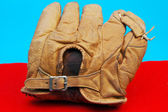 Antika beyzbol eldiveni — Stok fotoğraf
