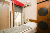 Lilla enda hotell rum milano italien — Stockfoto