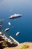 Cruise ship yachts, old port harbor santorini greek islands — Stock Photo