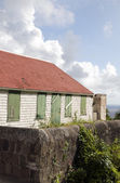 Old house over Caribbean Sea Saba Dutch Netherlands Antilles — Stock Photo