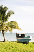 Barco de pesca viejo maíz isla nicaragua — Foto de Stock