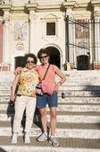 Dwóch turystów przyjaciele el calvario kościół leon nikaragui — Zdjęcie stockowe