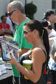 Indy 500 Race Fan waiting at the line to get a autograph at the Festival Community Day — Stock Photo