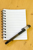 блокнот и ручка — Стоковое фото