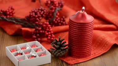 Candle with christmas decoration — Stock Video