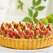 Tart with figs and mascarpone cream. — Stock Photo