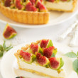 Tart with figs and mascarpone cream. — Stock Photo #30049063