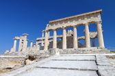 Ancient temple at the Aegina island in Attica, Greece — Stock Photo
