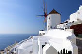 Windmill at Oia of Santorini island in Cyclades, Greece — Stock Photo
