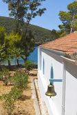 Iglesia ortodoxa tradicional en la isla de ithaki en grecia — Foto de Stock