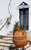 Traditional house at Santorini island in Greece — Stock Photo