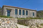 Escuela tradicional en lefkada isla de grecia — Foto de Stock