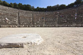 Antico anfiteatro di epidauro nel peloponneso, grecia — Foto Stock