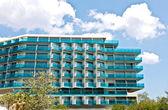 Luxury summer vacation hotel — Stock Photo