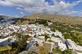 řecké vesnice lindos na ostrově rhodos, řecko — Stock fotografie