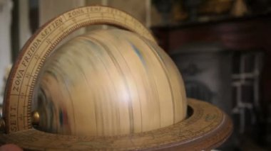 Globe classique — Vidéo